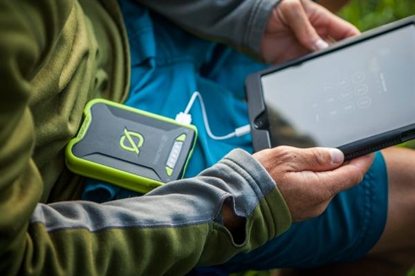 goal_zero_venture_30_solar_recharging_kit